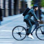 ブリヂストンの電動クロスバイク「TB1e」 走りながら自動充電機能を搭載し、航続距離最大130kmを実現