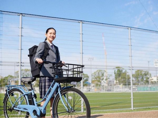 あさひオリジナル電動アシスト自転車の通学向けモデル「エナシスミー」登場