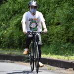 どうにか人力スポーツ自転車で頂上まで上りきった島田くん